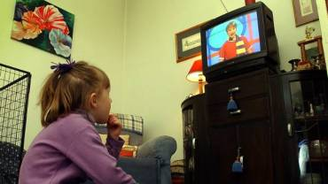 5 Positive And Good Habits of Watching Television for Children