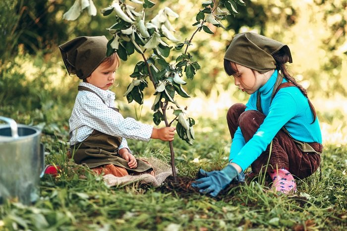 Best Ways to Teach your Child Maintain Eco-Friendly Environment